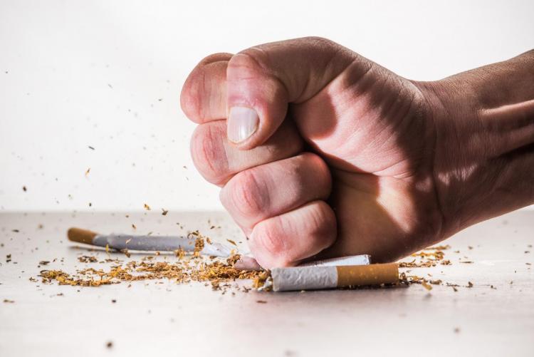 Podívejte se, jaké situace v každodenním životě jsou spojeny s cigaretou.